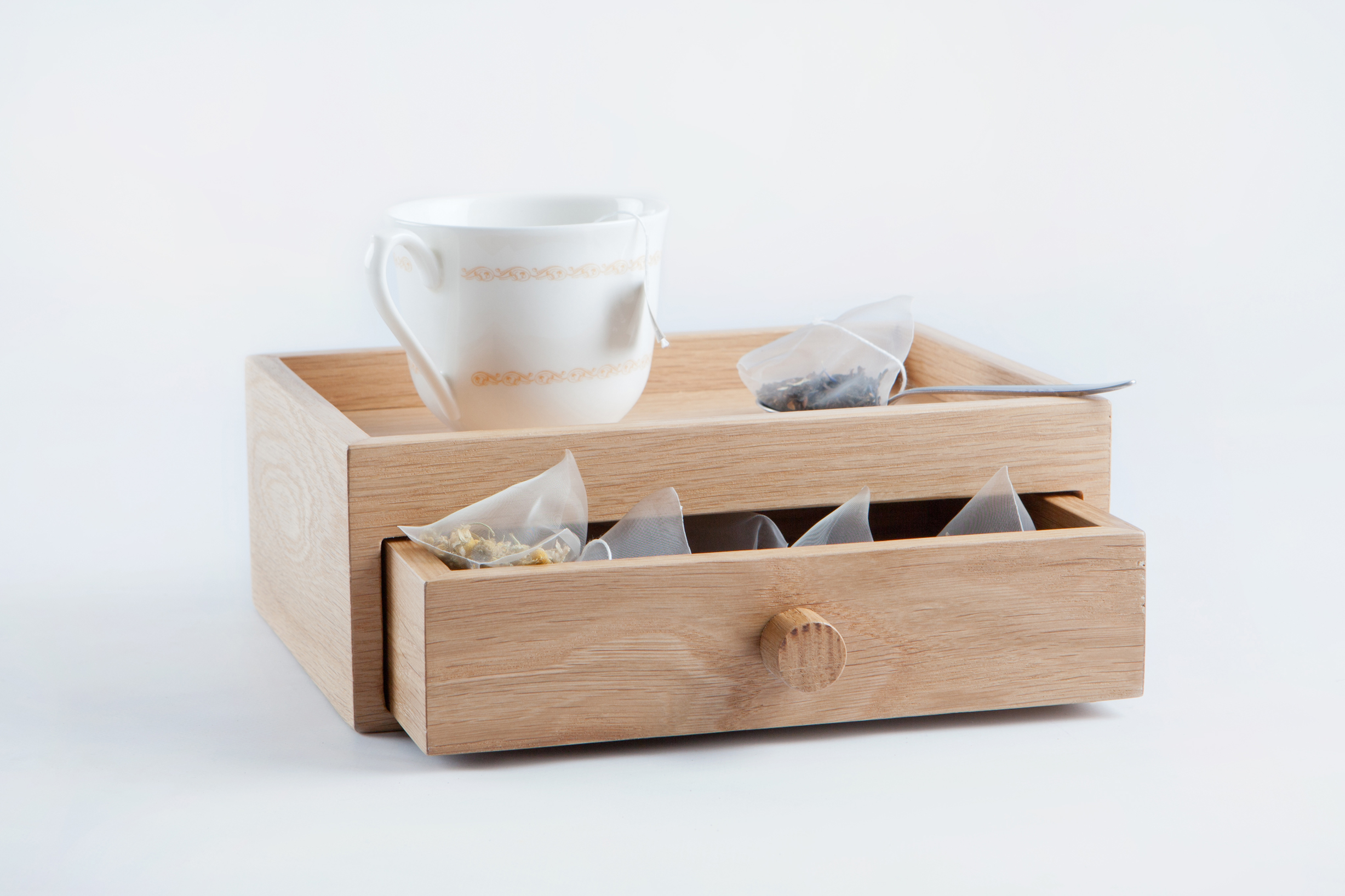 Wooden amenities boxes and trays the art of design magazine for Box design hotel