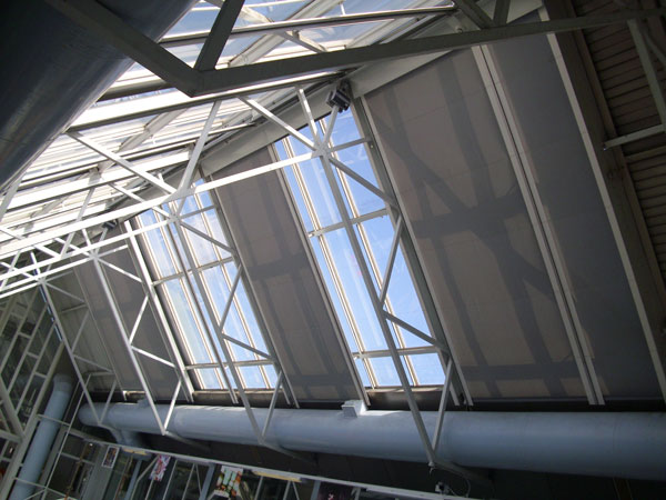 400-sqm-of-rooflight,-shaded-with-Acoustis-50
